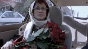 """Nasrin Sotoudeh im Film """"Taxi Teheran"""" des iranischen Regisseurs Jafar Panahi aus dem Jahr 2015. (imago stock&people)"""