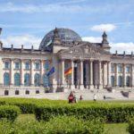 Ein Aufruf von Bundestagsabgeordneten zur Annahme eines Antrags zum Iran